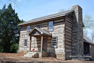 Modernized Log Home in Karns